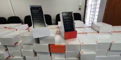 Receita Federal doa 300 celulares apreendidos para estudantes da UEPG usarem durante as aulas remotas